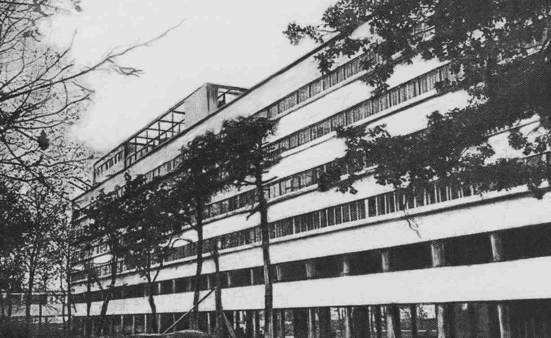 narkomfin-building
